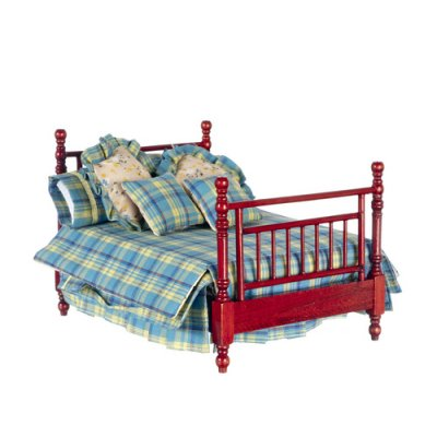Double Bed w/ Linens & Pillows - Mahogany