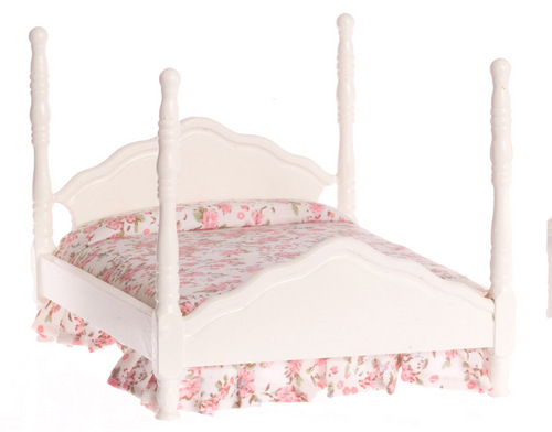 Four Poster Bed w/ Linens - White